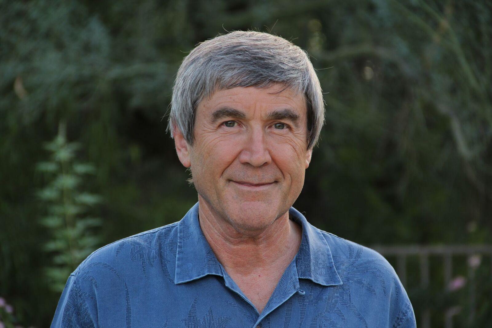 Dr. Paul Davies